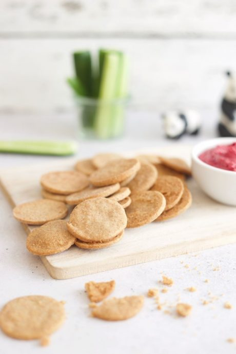 Wholesome Child: 4-Ingredient Cheesy Crackers